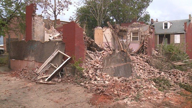 A vacant building collapsed in Soulard Tuesday. (Credit: KMOV)