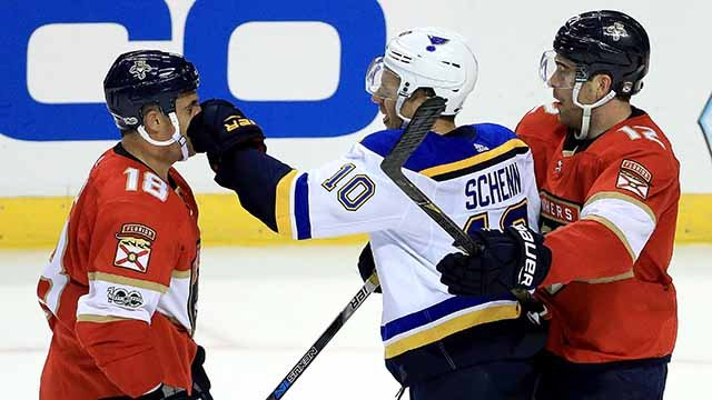 Micheal Haley #18 of the Florida Panthers and Brayden Schenn #10 of the St. Louis Blues fight during a game at BB&T Center on October 12, 2017 in Sunrise, Florida. (Photo by Mike Ehrmann/Getty Images)