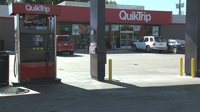 Police searching for suspect who robbed QuickTrip at 3638 Bayless Avenue in South County. (Credit: KMOV)