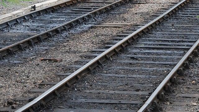 Graphic stock photo - Train tracks