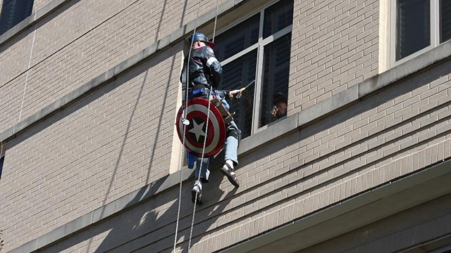 Rob dressed up as Captain America to wash the windows at SSM Health Cardinal Glennon Children's Hospital Wednesday (Credit: Cardinal Glennon Children's Hospital)