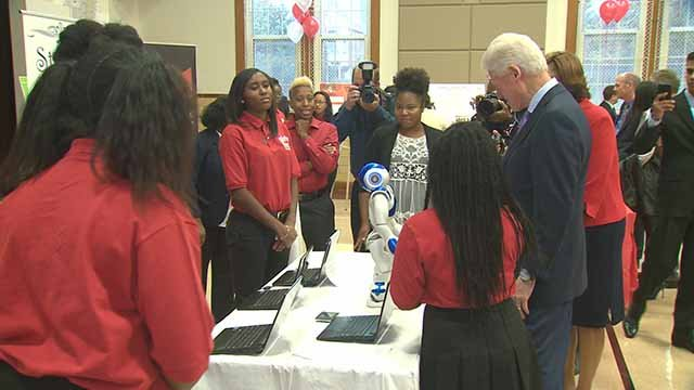 Former President Bill Clinton visited Girls Inc. in Northwoods Wednesday as part of a three-stop St. Louis trip. Credit: KMOV