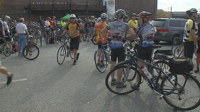 Almost 1,000 bikers met at the Schlafly Tap Room in downtown St. Louis on Sunday morning. It was for the 12th annual Cranksgiving ride put on by St. Louis Bike Works (Bworks) and Food Outreach.(Credit: KMOV)