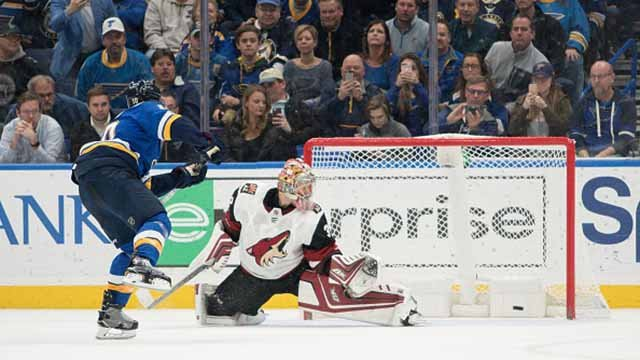 Brayden Schenn #10 of the St. Louis Blues scores during penalty shots against Antti Raanta #32 of the Arizona Coyotes at Scottrade Center on November 9, 2017 in St. Louis, Missouri. (Photo by Scott Rovak/NHLI via Getty Images)