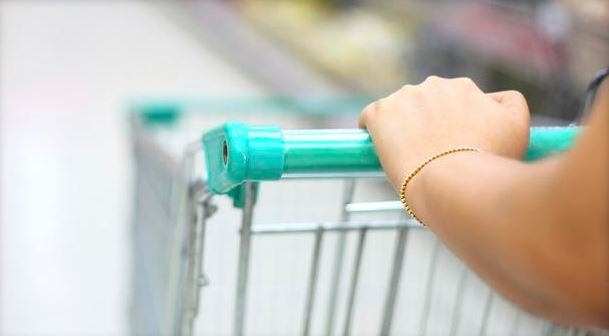A viral Facebook post warned people of possible fentanyl exposure on shopping cart handles, but experts cast doubt.  ISTOCKPHOTO