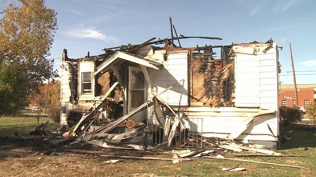 Metro east home deemed a complete loss (Credit: KMOV)