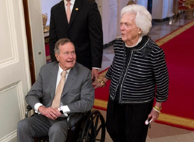 Former President George H.W. Bush, left, and his wife, former first lady Barbara Bush. (Credit: AP)