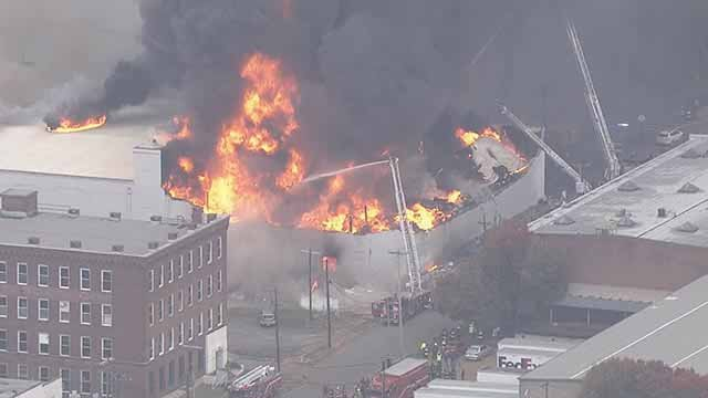 5-alarm fire in 3900 block of Park Avenue (Credit: KMOV)