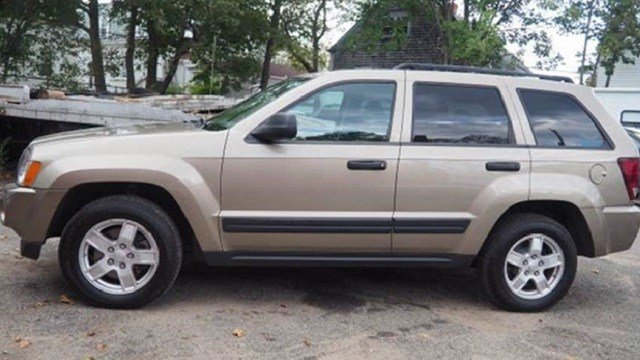 A gold Jeep Cherokee that is similar to Deborah Edminster's vehicle. (Credit: Madison County Sheriff's Office)