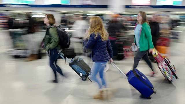 Thanksgiving weekend to lure record American travellers