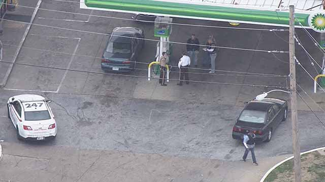 Police said an officer was punched by a suspect he was trying to arrest at this BP station near Hanley and I-70. Credit: KMOV