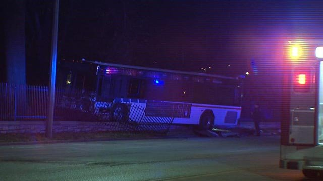 A Metro bus crashed near the Bellefontaine Cemetery early Wednesday (Credit: KMOV)