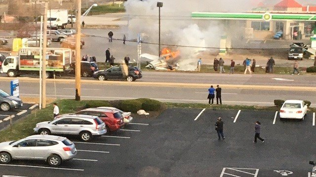 Small plane crashes at gas station near Spirit Airport; 1 person dead