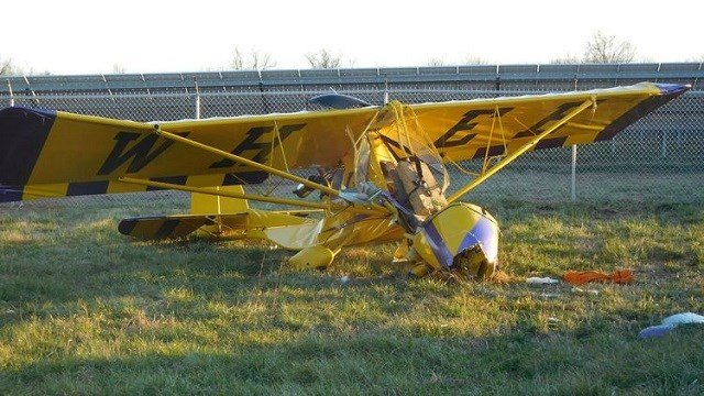A small plane crashed in Farmington Wednesday. (Credit: Dailyjournalonline.com)