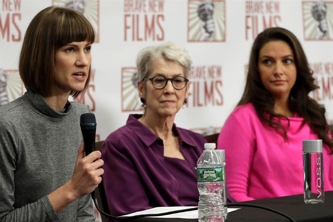 achel Crooks, left, Jessica Leeds, center, and Samantha Holvey attend a news conference, Monday, Dec. 11, 2017, in New York to discuss their accusations of sexual misconduct against Donald Trump. (KMOV)