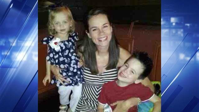 Rachel Dawson and her two children. (Credit: GoFundMe/CBS News)