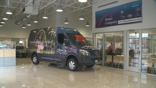 Plaza Motors in Creve Coeur donated a Mercedes van to Children's Hospital Thursday. (Credit: KMOV)