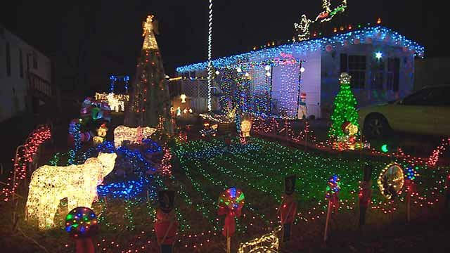Michael McIntyre is spreading Christmas cheer with this light display. Credit: KMOV