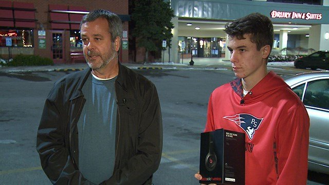 Ron Glisson, left, chased off a man who tased his son Ryan, right, and tried to steal some headphones he was supposed to buy. (Credit: KMOV)