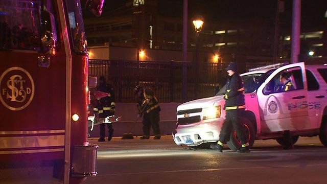 A St. Louis police officer was involved in a crash on Jefferson overnight I-64 Wednesday (Credit: KMOV)