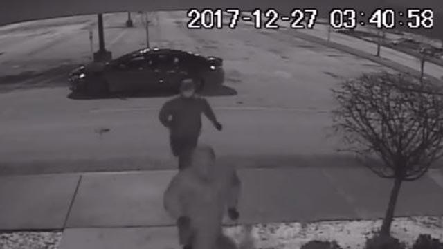 Surveillance still of suspects accused of burglarizing a Shiloh store (Credit: Shiloh PD)
