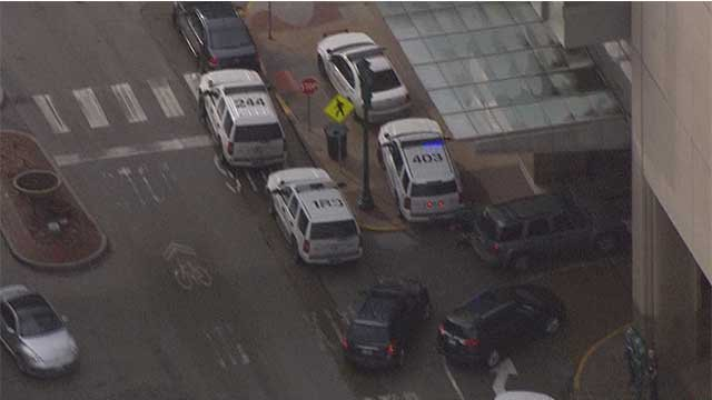 Police outside Siteman Cancer Center following a shooting (KMOV)