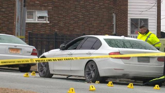 Investigators in the 3600 block of Gustine after a man was killed Friday (Credit: KMOV)