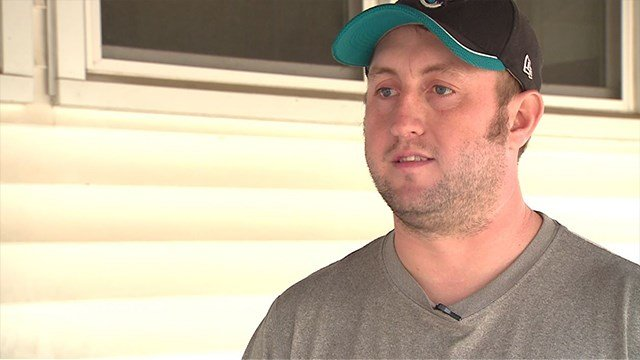 Resident Matthew Simon speaks with News 4 about thieves stealing his son's present (Credit: KMOV)