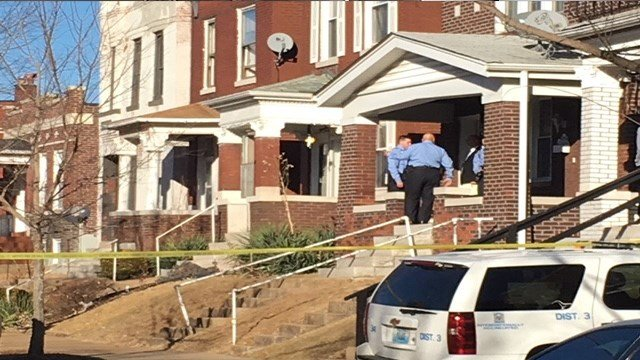 Investigators process the scene of an attempted robbery in the 3900 block of Pennsylvania Ave (Credit: KMOV)