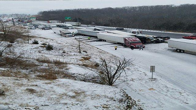 Accident closes both directions of I-44 in Rolla, Mo Sunday ( Credit: News 4 Viewer Chris Boyd)
