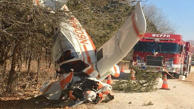 A pilot suffered a broken arm when a small plane crashed Thursday (Credit: KMOV)