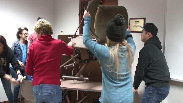 Lindenwood students barricade the door during an active shooter training Saturday ( Credit: KMOV)