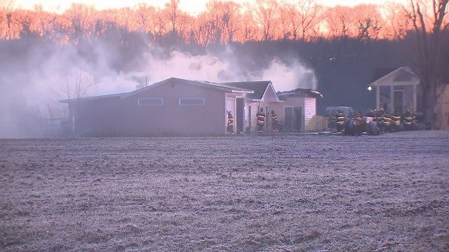 A fire broke out in a Hazelwood garage Sunday morning. (Credit: KMOV)