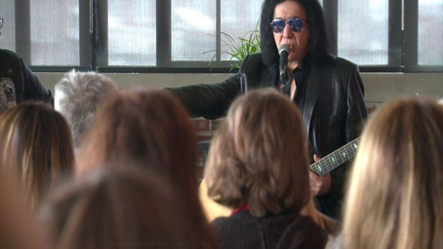 KISS front man meets with fans during meet and greet event Saturday afternoon (Credit:KMOV)