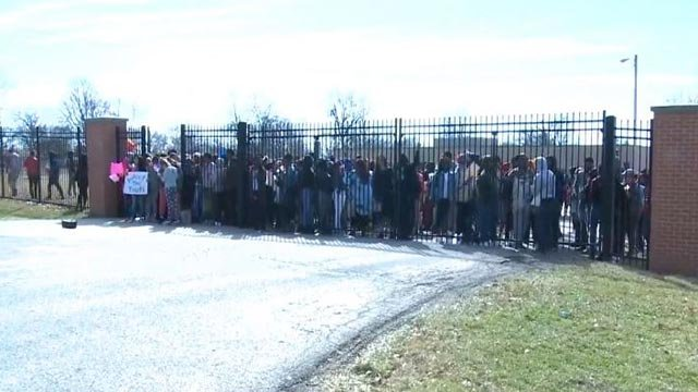 Students outside of Riverview Gardens High School protesting for gun control (Credit: KMOV)