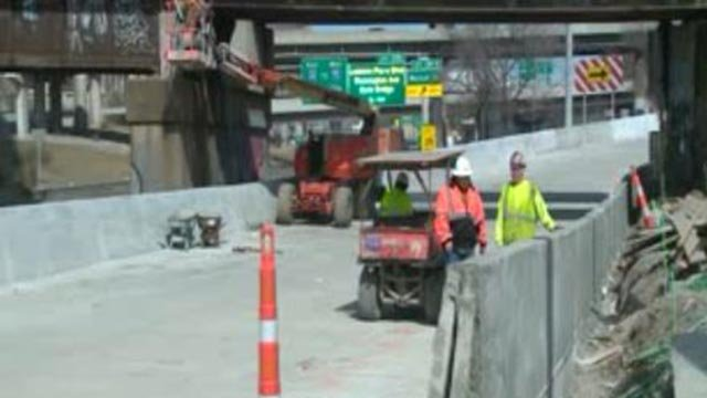 Construction crews working on the ramp (Credit: KMOV)