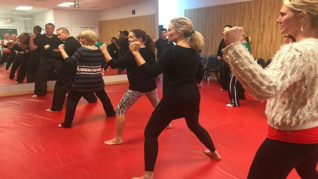 Students learn different self-defense tactics during a class in Chesterfield ( Credit: KMOV)