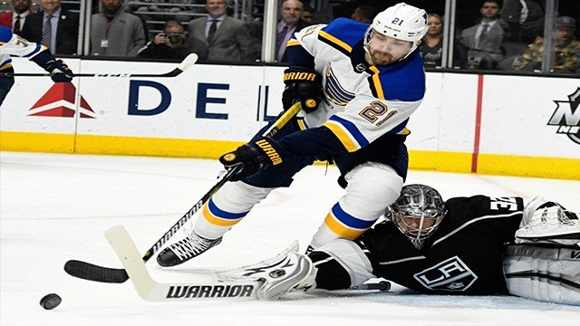 St. Louis Blues center Patrik Berglund, of Sweden (21) takes a shot against Los Angeles Kings goaltender Jonathan Quick (32) in the first period of an NHL hockey game , Saturday, March 10, 2018, in Los Angeles. (AP Photo/John McCoy)