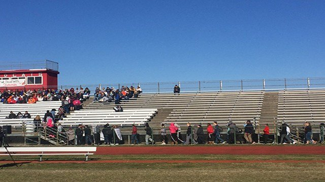 Hazelwood West students participate in nationwide walkout protesting gun violence. (Credit: KMOV)