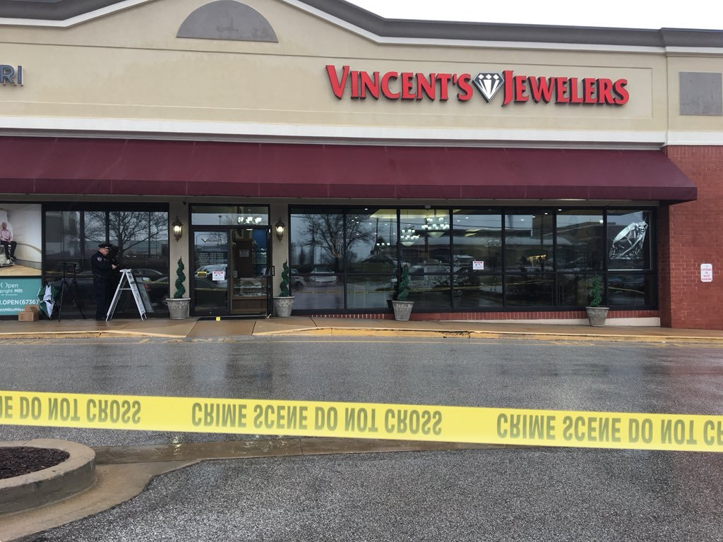 Creve Coeur police are investigating an armed robbery that happened at Vincent's Jewelry Store on Olive Blvd. and N. New Ballas Road Monday afternoon. Credit: KMOV