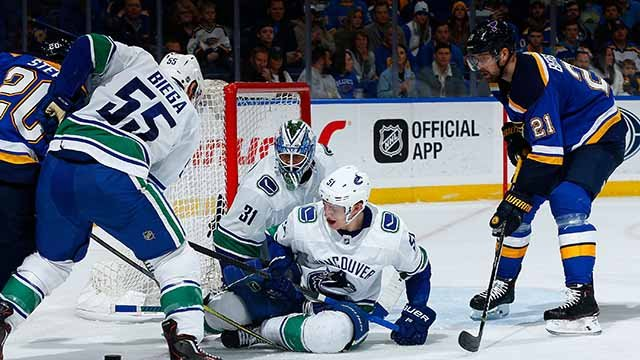 Louis Blues take fourth straight victory with win over Canucks