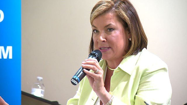 Jeanie Ames disavows being anti-Islam at an open forum Sunday (Credit: KMOV)