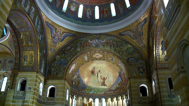 The green domed roof is an iconic landmark in St. Louis, but it's the colors inside the Cathedral Basilica of Saint Louis that inspires jaw dropping wows. (Credit: KMOV)