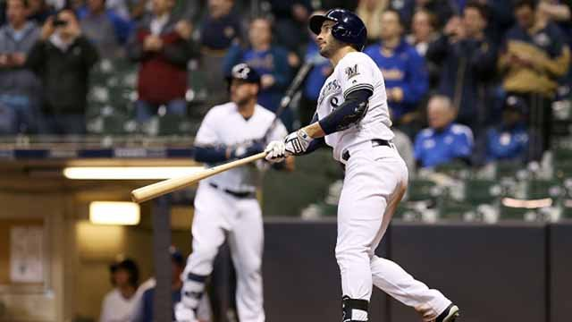 Ryan Braun #8 of the Milwaukee Brewers hits the game-winning home run in the ninth inning to beat the St. Louis Cardinals 5-4 at Miller Park on April 3, 2018 in Milwaukee, Wisconsin. (Photo by Dylan Buell/Getty Images)