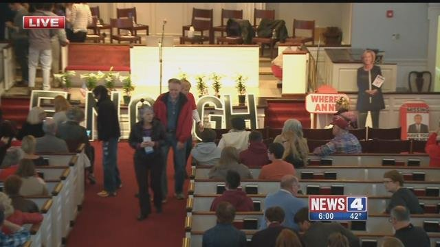 Attendees arrived at a town hall in Kirkwood to discuss gun reform Saturday (Credit: KMOV)