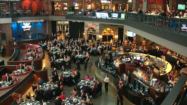 Hundreds filing in for the Juvenile Diabetes Research Foundation Saturday. (Credit: KMOV)