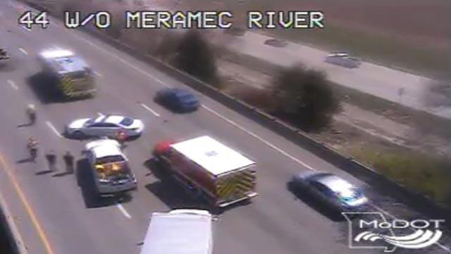 Emergency crews on I-44 west of the Meramec River (Credit: MoDOT)