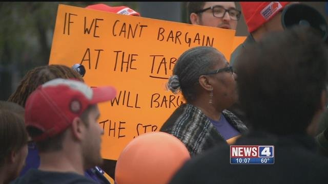 Washington University graduate students protesting for higher wages. Credit: KMOV