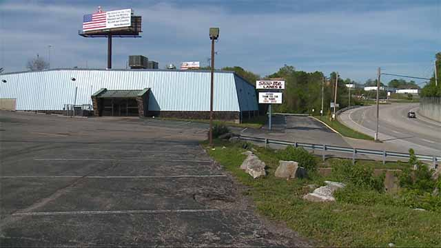 The now-closed Show Me Lanes bowling alley. Credit: KMOV
