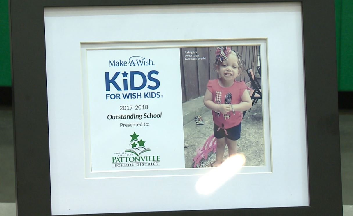 5-year-old Ryleigh has been a part of Pattonville High School's community since homecoming. (Credit: KMOV)